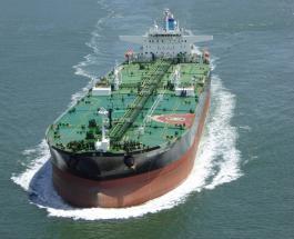 У берегов Одессы перевернулся танкер: в море вылились тонны нефтепродуктов