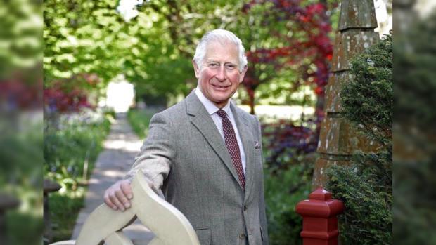 Британский принц Чарльз запускает собственную модную капсульную коллекцию