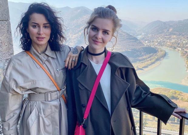 Дочь Тины Канделаки на Балу дебютанток Tatler: почему фото понравилось не всем подписчикам