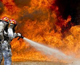 Близ Барселоны эвакуировали людей из-за пожара на химическом заводе и утечки ядовитых веществ