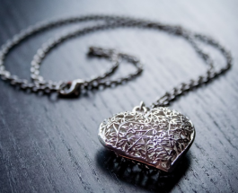 Как определить подлинное серебро: домашние хитрости