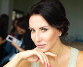 """Алика Смехова очаровала Сеть новым образом: поклонники называют певицу """"Lady in red"""""""