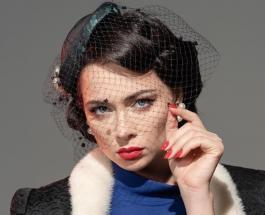 Настасья Самбурская продолжает удивлять стильными классическими образами