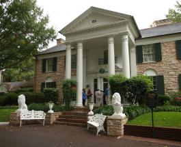 Как выглядит дом Элвиса Пресли - музей памяти и гостиница для верных поклонников звезды