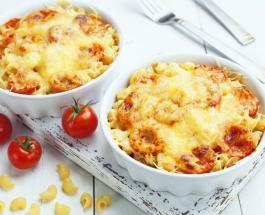 Вкусный и сытный ужин: запеченная паста с курицей и овощами