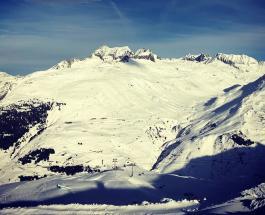 На горнолыжном курорте в Швейцарии сошла лавина: есть пострадавшие