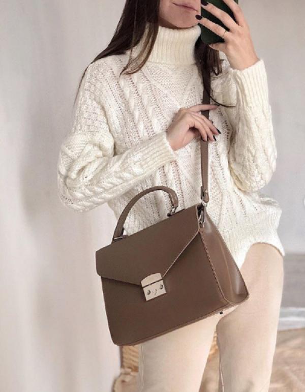 Характер женщины зависит от того, как она носит сумку: это должен знать каждый