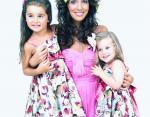 Микелла с мамой и сестрой