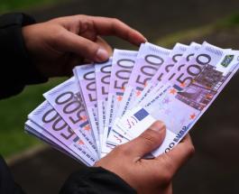 Рекордная покупка в аэропорту Стамбула: китаец заплатил за ювелирное изделие 90 000 евро