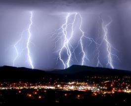 Знаете ли Вы: где можно увидеть 28 молний в минуту и как называется странное явление