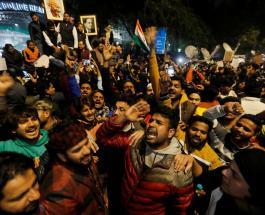 Власти Индии надеются смягчить протесты против непопулярного закона с помощью звезд Болливуда