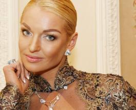 Анастасия Волочкова показала, что подарила ей в день рождения талантливая дочь Ариадна