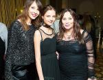 Мария Тишкова с двумя дочерями