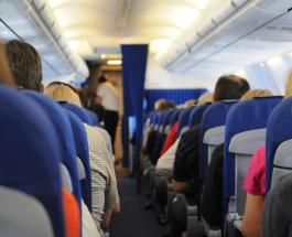 Четверо пассажиров упали в обморок во время трехчасового полета на самолете