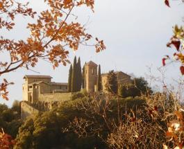Древний замок Испании сдается в аренду – захватывающая красота средневековья посреди леса