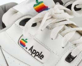 Кроссовки Apple выставлены на аукцион