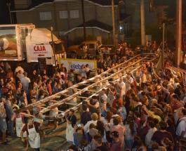 Мировой рекорд: в Аргентине приготовили почти 100-метровую колбасу салями