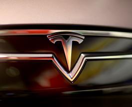 Автопилот Тесла спас 8 человеческих жизней во время шторма Деннис в Британии