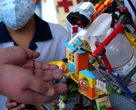 Тайваньские школьники создали робота из Lego для профилактики коронавируса