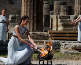 В Греции зажгли Олимпийский огонь без зрителей впервые с 1984 года