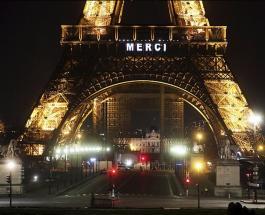 Коронавирус во Франции: Эйфелева башня благодарит врачей за усилия по борьбе с COVID-19