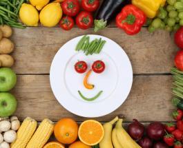 Причиной частых головных болей может быть недостаток в организме 4 витаминов