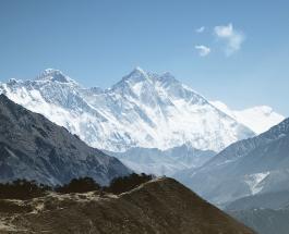 Непал запретил доступ к Эвересту и приостановил действие всех туристических виз