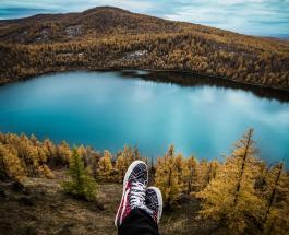 Розовая вода и жидкий асфальт: самые необычные озёра на планете