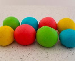 Как сделать в домашних условиях цветной пластилин для детей: простой рецепт