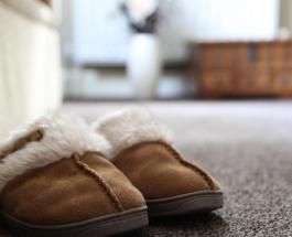 Почему дома обязательно нужно носить тапочки: советы врача, актуальные во время самоизоляции