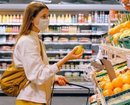 Безопасный поход в супермаркет: что нельзя делать в магазине во время пандемии коронавируса