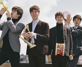 Рукопись песни «Hey Jude» группы The Beatles продали на аукционе за 910 000 долларов