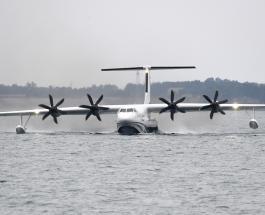 Китайский самолёт-амфибия AG600 впервые успешно пролетел над поверхностью моря: видео