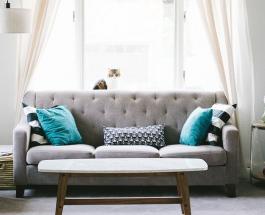Избавиться от пятен на тканевой обивке дивана можно с помощью простых домашних средств