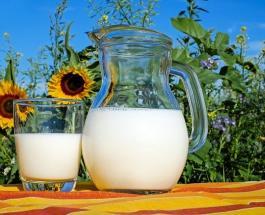 Правильное хранение молока: дверца холодильника – не самое лучшее место