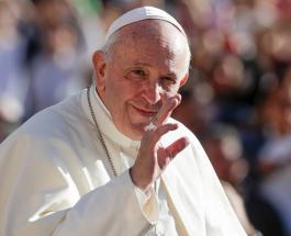 Папа римский помолился за работников СМИ: они помогают людям легче переносить карантин