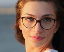 Как выбрать очки, которые будут вам к лицу: 3 шага