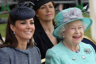 5 правил королевского этикета, которые должна знать каждая женщина