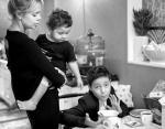 Виктория с сыновьями