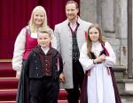 Принцесса Ингрид-Александра с семьей