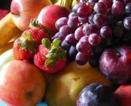 Ягоды яблоки и чай могут снизить риск развития болезни Альцгеймера