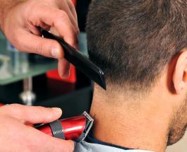 Российский парикмахер установил новый рекорд: мужчина подстригал клиентов 48 часов
