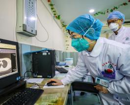 Японские врачи жалуются на тяжёлые условия труда, низкую зарплату и нехватку масок