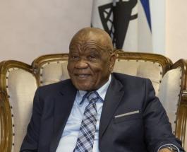 Глава Лесото Томас Табане, обвиняемый в убийстве жены, уходит в отставку