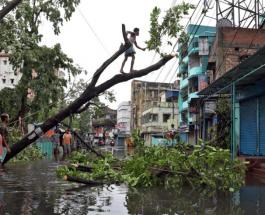 Суперциклон Амфан убил более 80 жителей Индии и Бангладеш