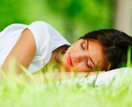 Медитация для улучшения сна: 5 этапов быстрого расслабления в конце дня