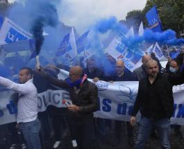 Полицейские во Франции устроили протест: требования митингующих и причины акции