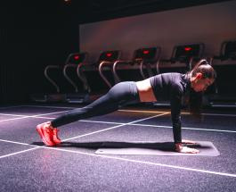 Топ-6 причин стоять в планке 5 минут каждый день: чем полезно упражнение