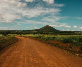 Шахтер из Танзании стал миллионером обнаружив крупнейшие образцы драгоценного камня