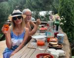 Вика Цыганова с любимым супругом